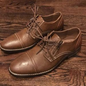 New men's brown dress shoes